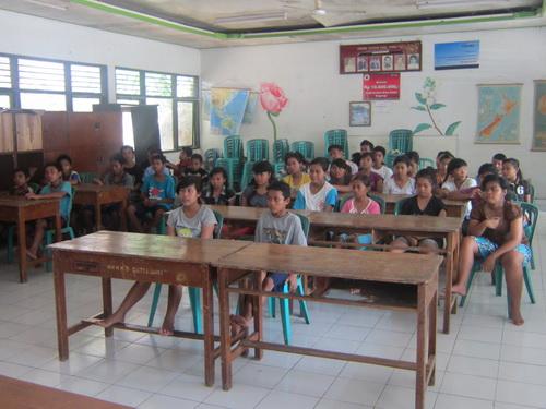 Anak-anak Panti Asuhan Dana Punia Singaraja